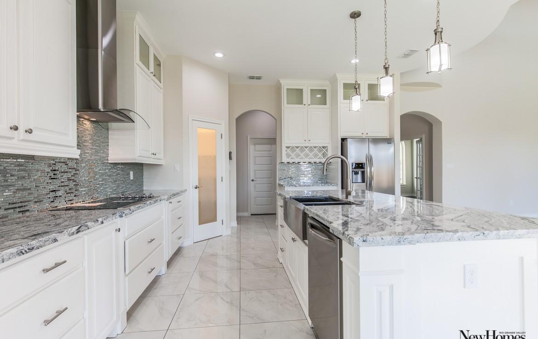 rgv new homes guide, rgv, home for sale, edinburg, texas homes, real estate, classic homes, jackson heights, kitchen