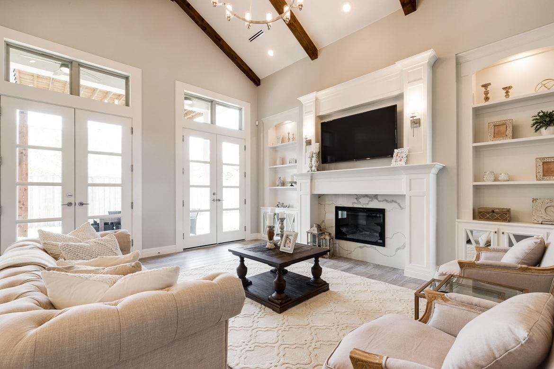 2018 LEEB: Villa Homes