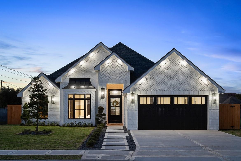 2021 POH Winner– Villa Homes: Farmhouse Chic
